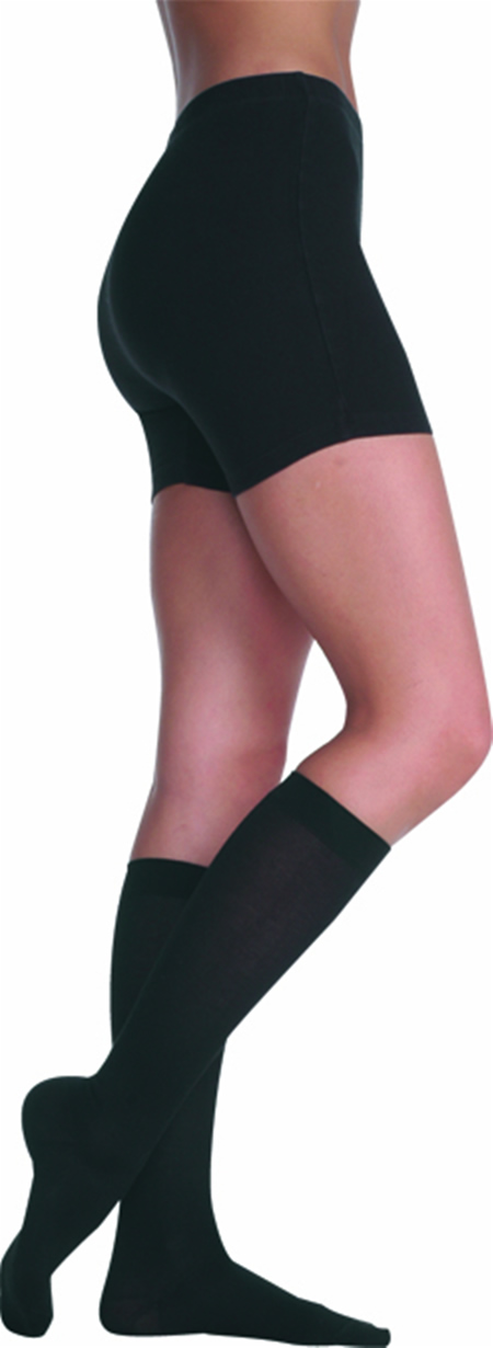 04203ddc2 Juzo Soft Knee High With Silicone Dot Band Short Closed Toe 20-30mmHg